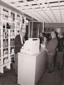 Azelio Casati inaugura la nuova libreria in P.zza Ginori - 1973